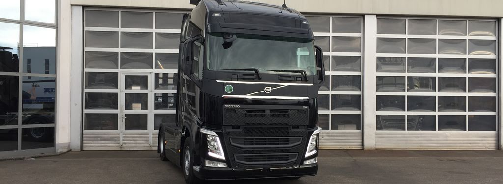 Volvo FH4 Black Beauty